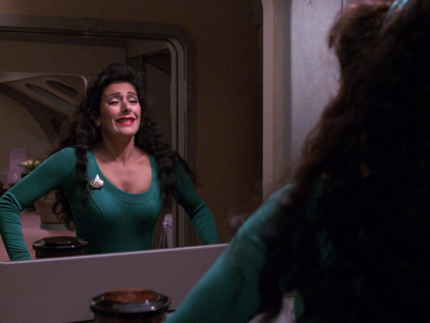 Marina sirtis counselor deanna troi star trek - 1 4